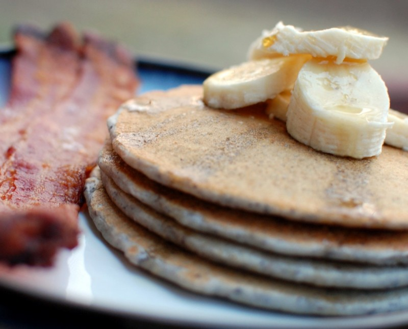 Weekend Breakfast: Blue Cornmeal Pancakes